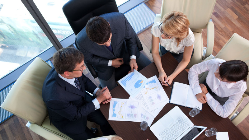 business-people-office-ss-1920-800x450